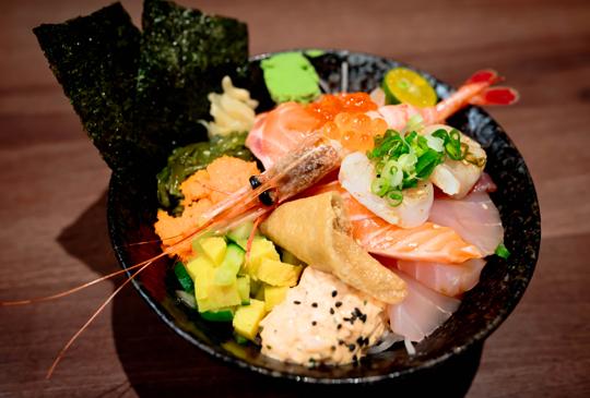 平價豐盛生魚丼飯【佐賀生魚片丼飯專門店】