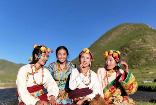 【西藏】藏時尚 – 藏袍二三事