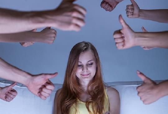 大家說~而你自己呢?在職場中,不必一昧壓抑自己想法,適時的表現才有機會!