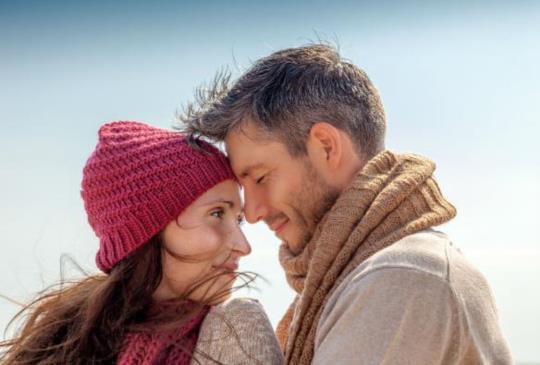 【在愛的世界裡,為什麼我們總會猜疑不安、挫敗氣餒,甚至心碎傷痛?】
