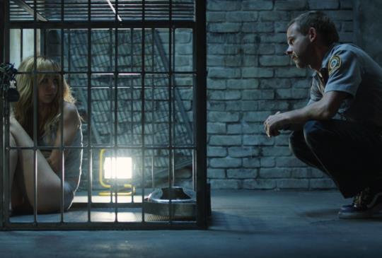 【《寵物情劫》:囚與被囚】