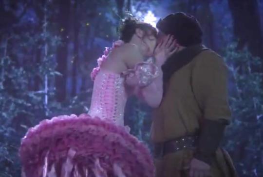 《童話鎮》第一季第13集:相信自己可以掌控命運,堅強的相愛