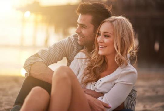 【男人口是心非不是壞,其實他們內心很柔軟;這3件事能讓妳看穿他們】