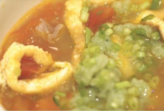 料理美學–番茄蛋皮翡翠麵疙瘩