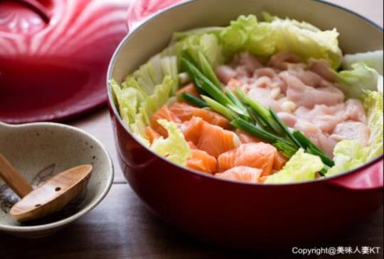10分鐘懶人瘦身餐 ─ 豆乳味噌海陸土手鍋