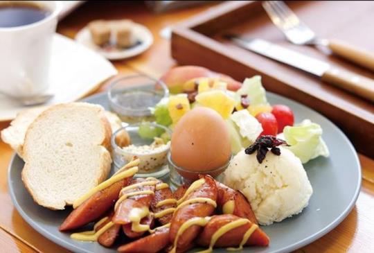 悠閒的早午餐,背後的歷史一點也不悠哉!