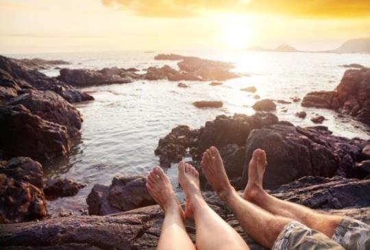 【兩人相愛,但結婚就是愛情的證明嗎?婚前,一切都是浪漫;婚後,一切都是浪費。 】
