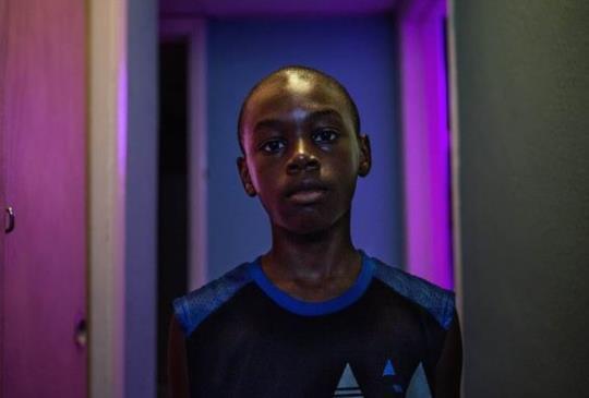 【《月光下的藍色男孩》人生的常客—孤寂,摸索,壓抑。】