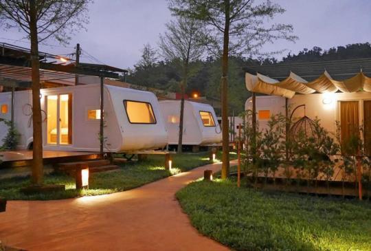 【懶人包】全台8家親子同樂露營車及夢幻營地 無敵海景/觀星天窗 輕鬆露營超好玩