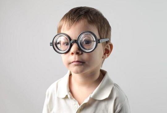 考季過度用眼 保護視神經很重要