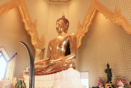 【泰國曼谷】金佛寺(Wat Traimit)裡住著世界上最大的金佛