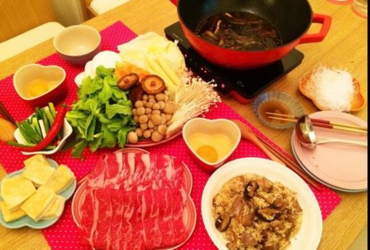 ♥煮婦女王♥的簡單食譜~冬天就要來吃個壽喜燒!
