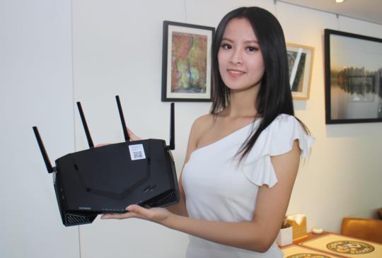 NETGEAR 新創電競品牌在台發表首款專業電競級路由器 XR500