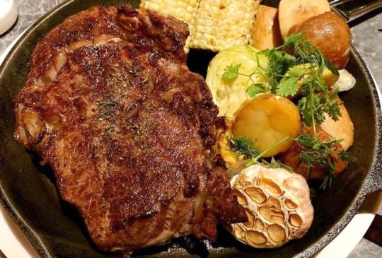 驢子餐廳「20盎司厚切肋眼牛排」千元有找還不快衝!
