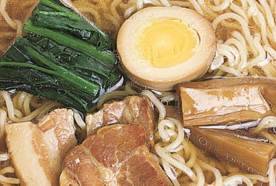 【自製拉麵湯頭,在家也能吃到道地的拉麵】