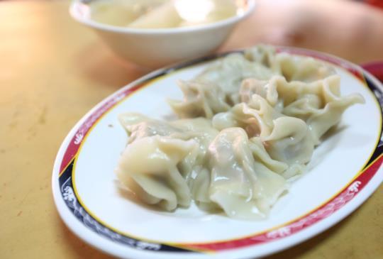 [台中美食]只要2元~向上水餃