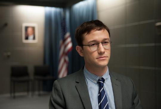 《神鬼駭客:史諾登》政府不敢說的秘密