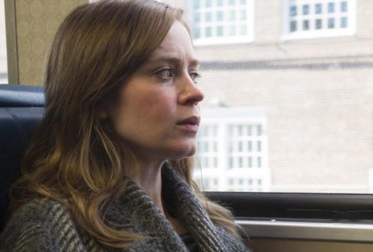 【《列車上的女孩》女人為難女人,終因理解而結盟】