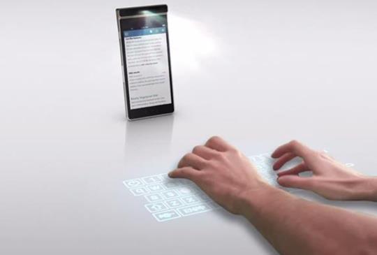 讓 iPhone 概念機的雷射虛擬鍵盤成真!Lenovo Smart Cast 酷炫登場