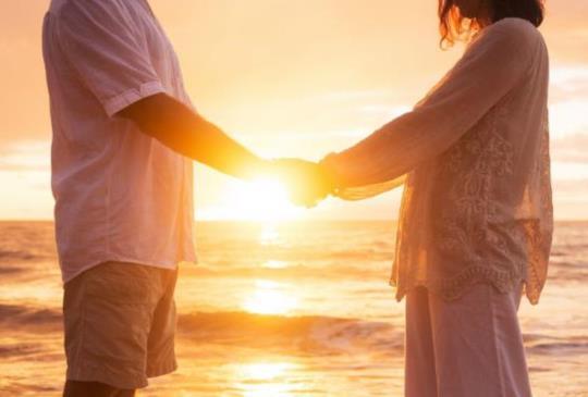 【 「愛情」是一種感覺、一種行動,愛更是一種責任! 】