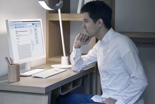 【長時間與電腦為伍的上班族,三招減緩藍光帶來的職業傷害!】