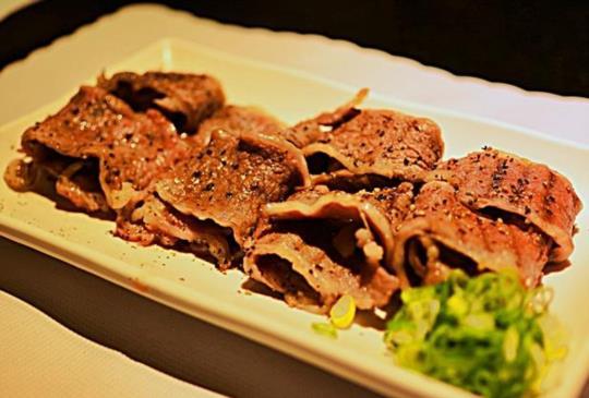 烤肉選擇多!精緻好肉VS.吃到飽,你選哪一個?