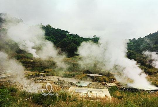 冬天限定~硫磺谷免費泡腳湯、看湧泉邊泡茶