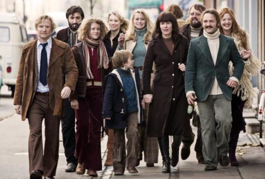 《丹麥共居生活》用婚外情闡述嬉皮公社的崩壞