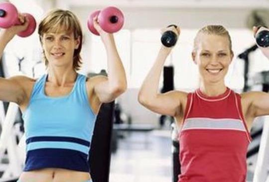 劇烈運動+重量訓練 增肌肉減重效果好