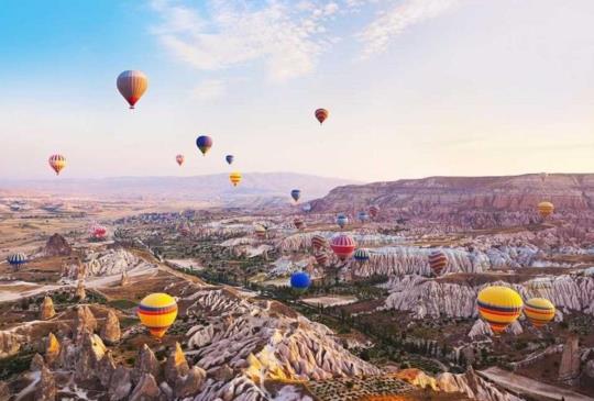 【土耳其】卡帕多奇亞:荒蕪地表下的堅定信仰