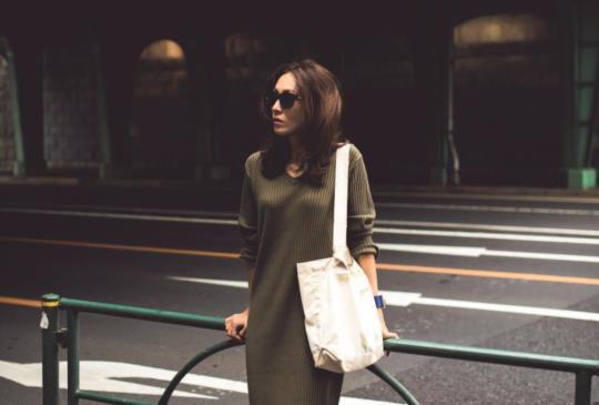 【讓網友們都讚嘆的簡單穿搭術,用這兩件單品搭出妳的專屬時尚風!】