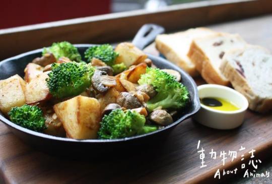 【 當肉食主義者遇到吃素的朋友】來這裡就對啦!~台北創意蔬食精選