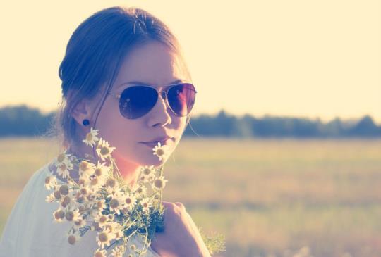 【永遠都不要對愛妳的人說謊,受傷的最後都會是自己】