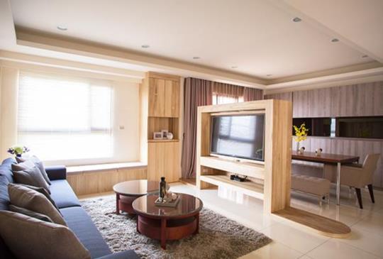 旋轉電視櫃:客廳不只大,還要乘以二