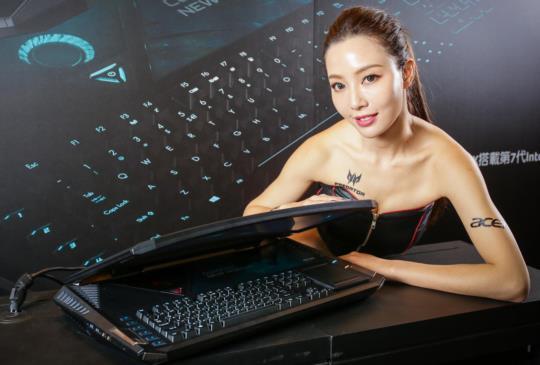 全球首款曲面筆電、宏碁 Predator 21 X 開賣、售價台幣29.9萬元