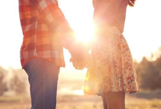 【男人對妳的愛逐漸耗盡的這3個警訊,別讓倦怠期奪走你們的愛】