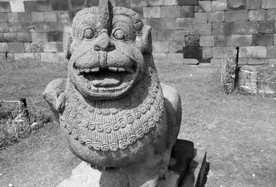 【印尼日惹】世界最大佛教遺址:神佛滿天的婆羅浮屠