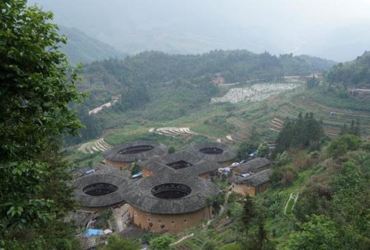 【中國福建】土樓田螺坑:神話般的山居建築