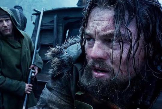 【李奧納多為拍《神鬼獵人》 挨凍、浸冰河、吃生肉受足苦頭】