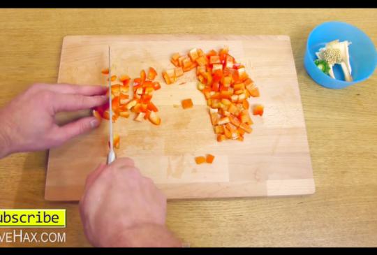 【看影片學英文】你知道嗎?原來,甜椒這樣切才對!