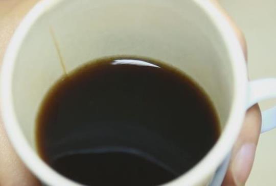 【高濃度咖啡因傷胃 怎麼喝黑咖啡才健康?】