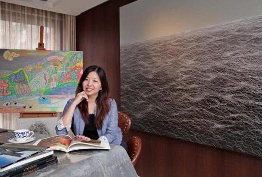 """讓熱情不斷照耀,讓自己閃亮從心—Jocelyn以堅定步伐終琢磨出""""台灣最具指標性公關集團""""的光彩"""