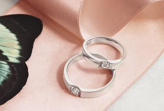 兩環相擁我們相愛吧 點睛品Emphasis真鑽對戒見證浪漫真愛