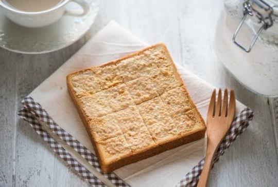 幸福下午茶! DIY【椰油奶酥醬】&【椰香奶酥厚片土司】