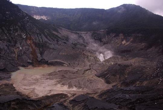 【印尼萬隆】覆舟火山Tangkuban Perahu-最匪夷所思的傳奇