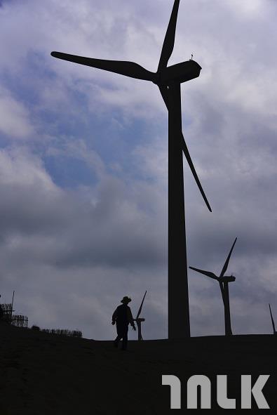 草漯遊沙風力發電2.jpg