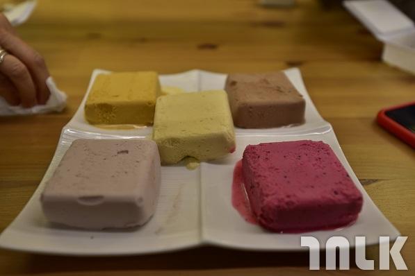 深坑里歐咖啡豆腐冰淇淋.JPG