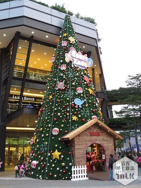 2014聖誕樹-新光三越信義新天地.jpg