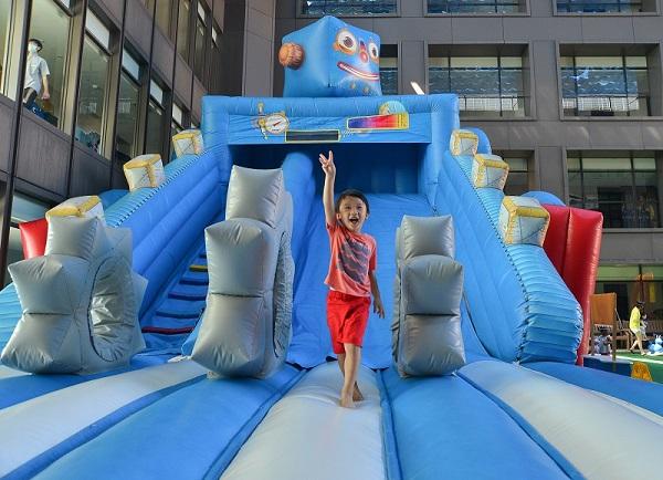 04-蘭城晶英_吉祥物藍寶氣墊滑梯超好玩.jpg