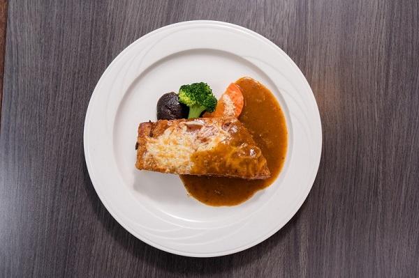 03-大板根_加州風味烤豬肋排鮮嫩肉質與醬汁完美結合.jpg